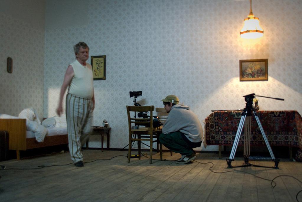 christoph einfalt ein tisch ist ein tisch kurzfilm. Black Bedroom Furniture Sets. Home Design Ideas